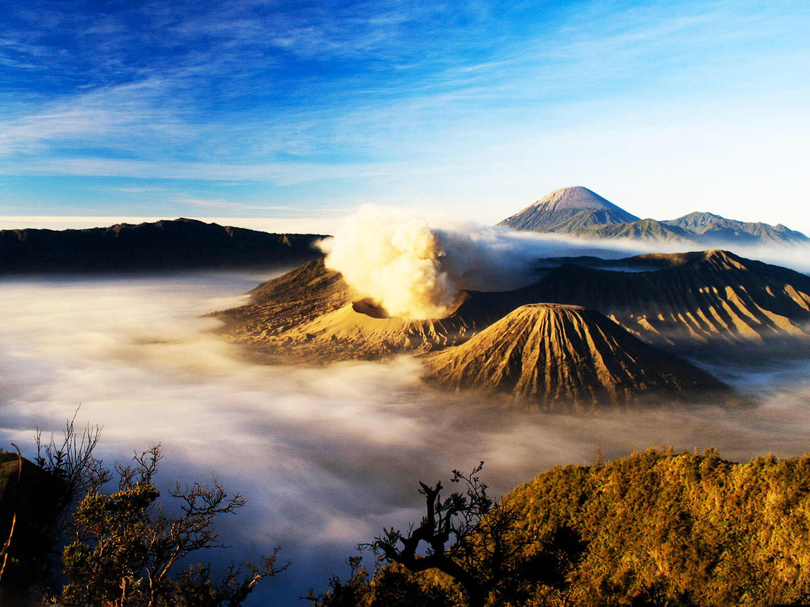Mount Bromo, Songa Rafting and Ijen Crater Tour (3 Days)