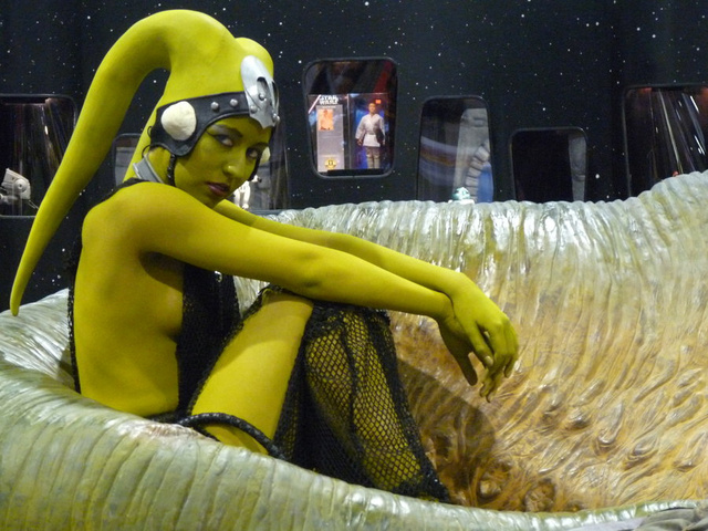 green twi'lek cosplay dancer - the nip slip one