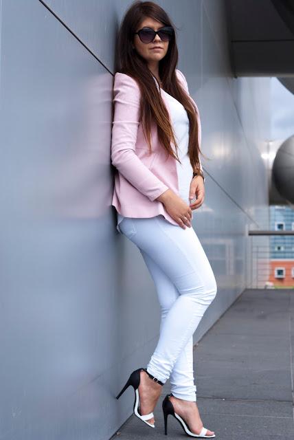 Różowa Marynarka