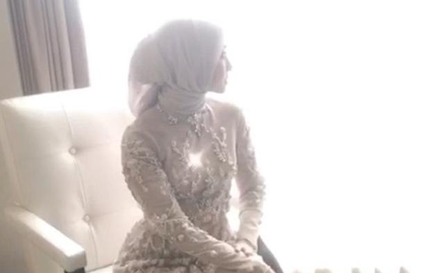 Cantiknya Laudya Cynthia Bella Dengan Hijab Blink Blink