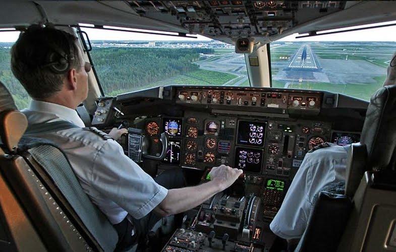Atterraggio di emergenza Ryanair: passeggero ubriaco maltratta e insulta gli altri passeggeri