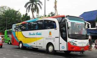 Pengalaman Naik Bus Rosalia Indah Kelas VIP Malam Ke Jakarta
