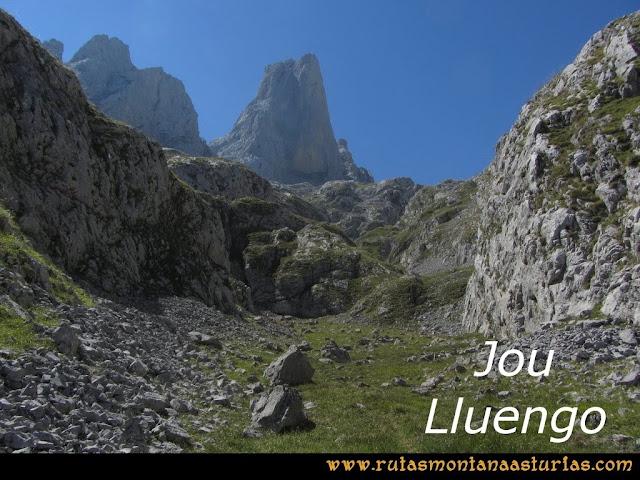 Ruta Poncebos a Cabrones por Camburero y Urriellu: Jou Lluengu