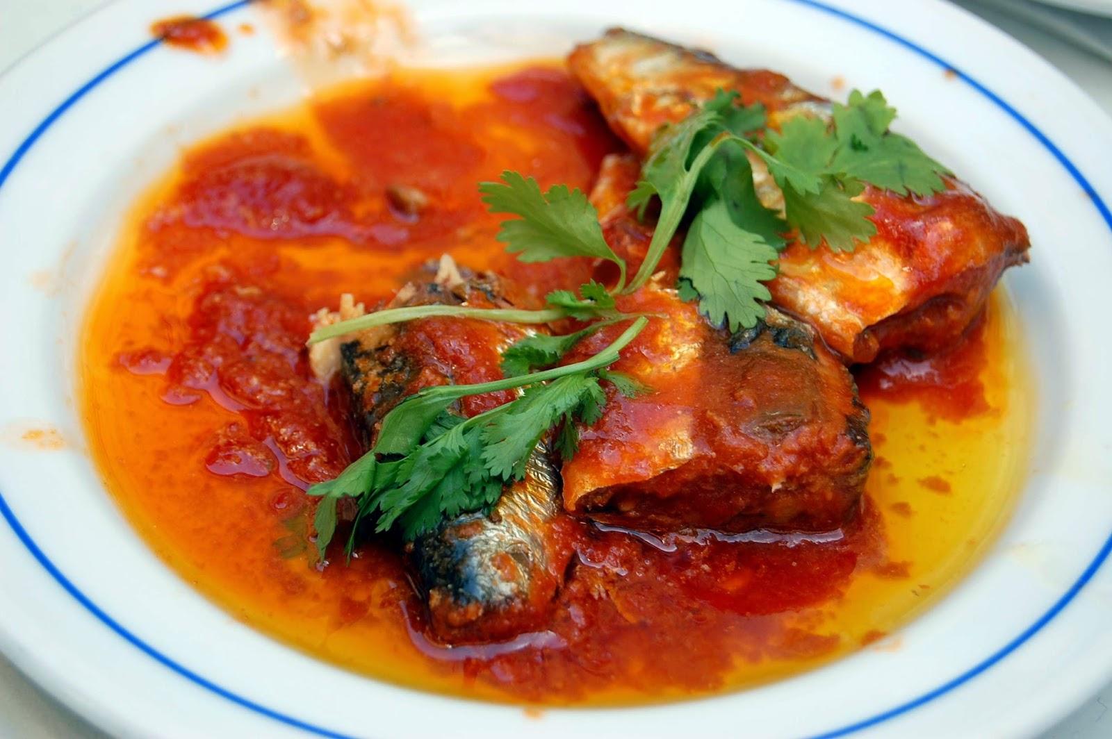 Stitch & Bear - Eat Drink Walk Petiscos Lisbon - Tinned fish tapas at Sol e Pesca