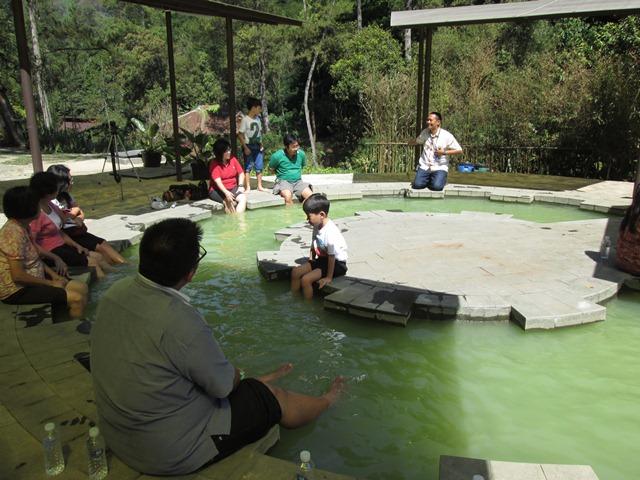 Berkunjung ke Maribaya resort - easytourbandung.com
