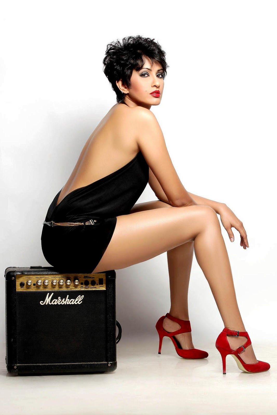 Pratichee Mohapatra new back less photo shoot - Sexy