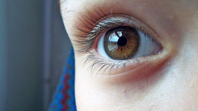 ¿Tienes los ojos marrones? Los científicos te traen una mala noticia