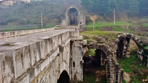 Οι Τούρκοι αναζητούν τα μυστικά της γέφυρας του Ιουστινιανού