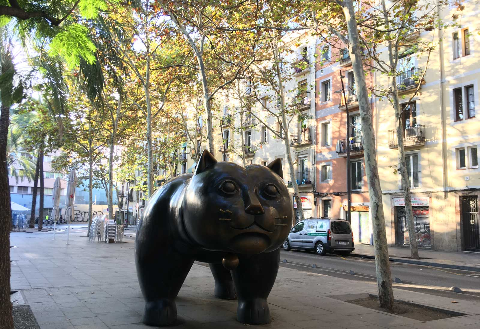 Gato de Botero. Rambla del Raval. Barcelona, octubre 2017