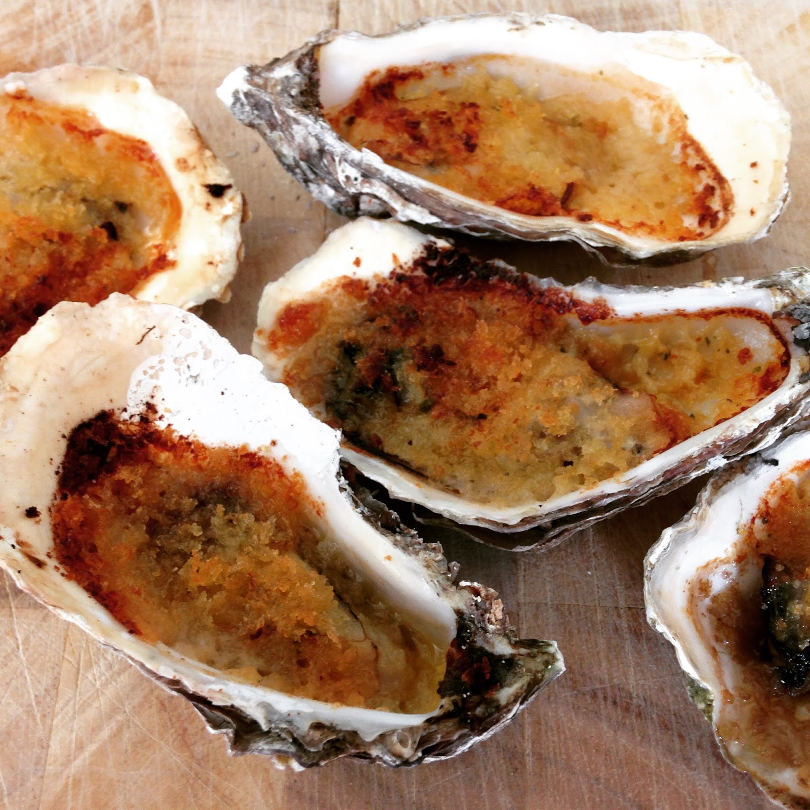 Grilled Oysters with Garlic Butter and Bread Crumbs | ÓhArtagáin