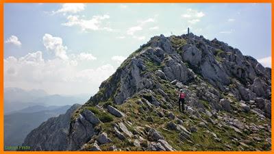 Subiendo a la cima del Pico Tiatordos