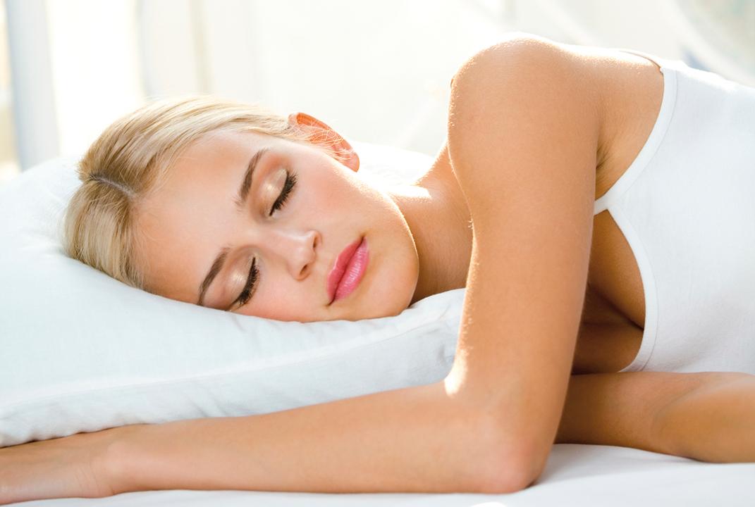 Resultado de imagen para persona con almohada