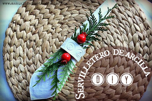 Servilletero navideño hecho a mano con pasta de modelar