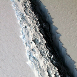 Iceberg 3 vezes maior que São Paulo está se soltando da Antártida