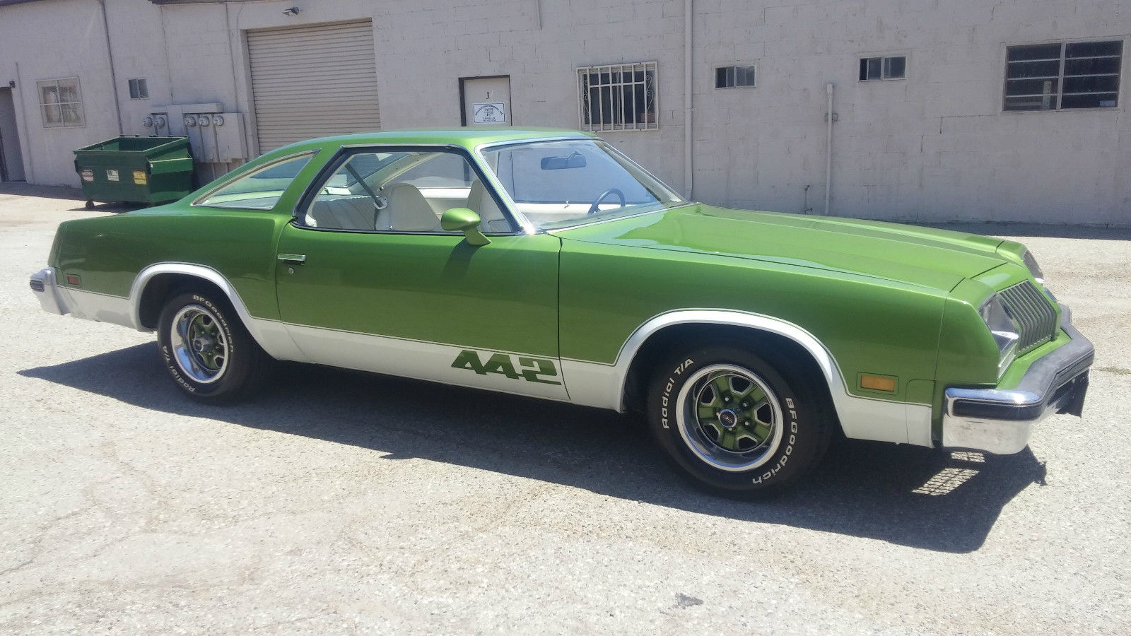 $3,900 Rocket: 1976 Oldsmobile 442