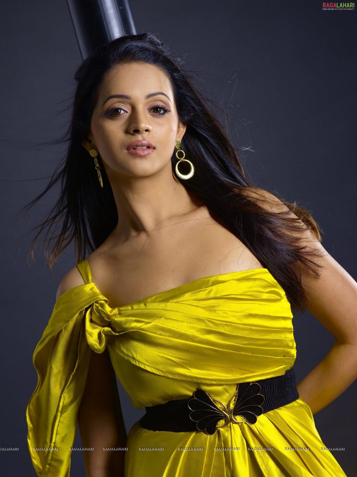 Actress Bhavana Sexy Hot Wallpapers Indian Masala Actress -5411