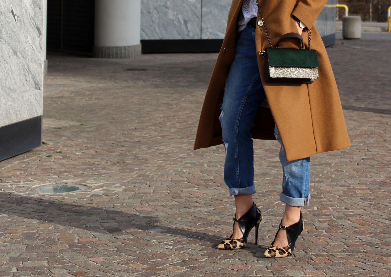 Eniwhere Fashion - Camel coat and animalier shoes