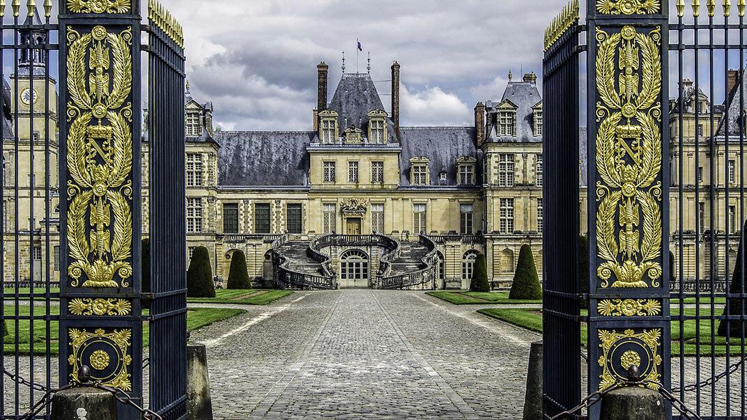 Palacios cerca de París Fontainebleau