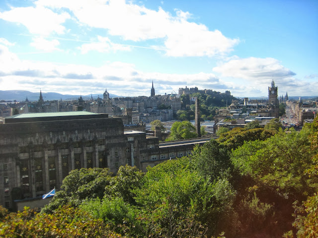 {ErinOutandAbout} Edinburgh Afternoon