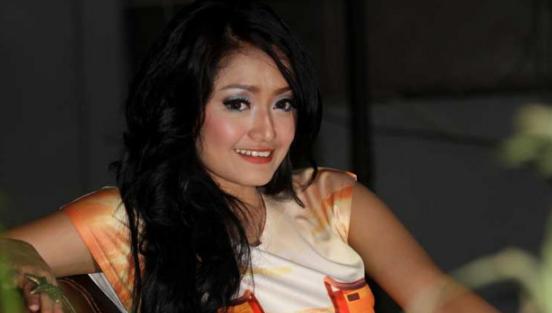 Siti Badriah, Dangdut, Profil Penyanyi, Biodata Dan Profil Siti Badriah Penyanyi Dangdut Paling Ngetop