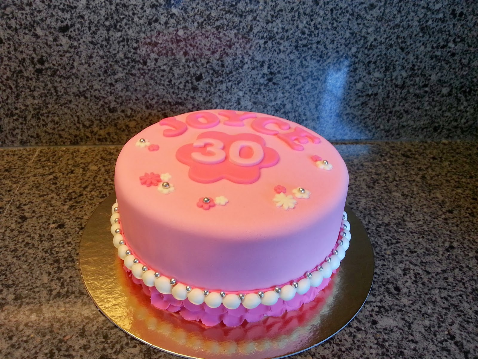 taart 30 jaar Liza's Taarten & Cupcakes: 30 jaar taart 30 jaar