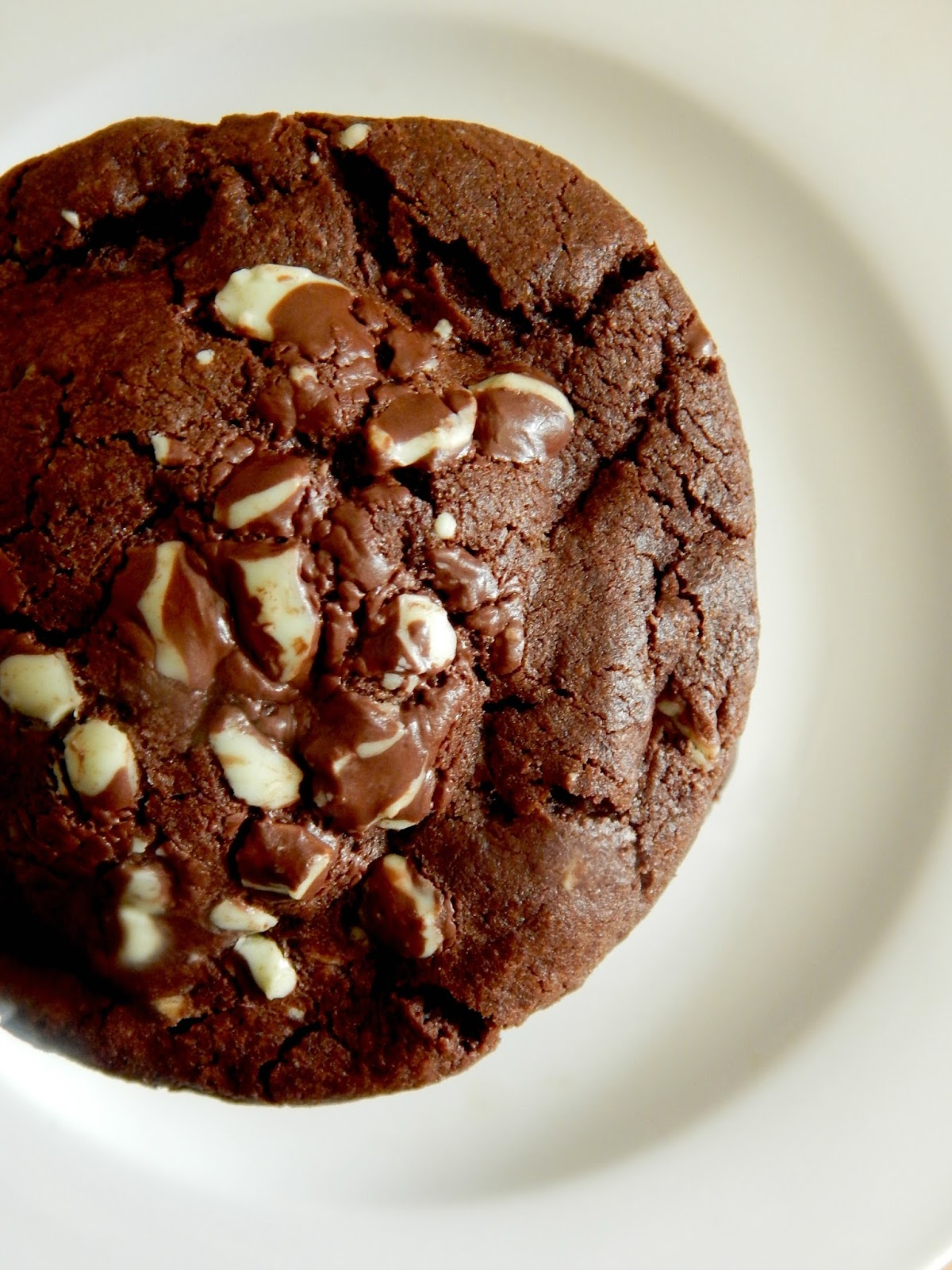 Stuffed Thin Mint Chocolate Cookies