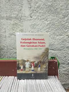 Buku Gejolak Ekonomi, Kebangkitan Islam, dan Gerakan Padri