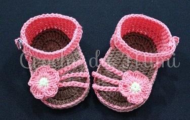 DIY - Sandálias de Crochê para Meninas Passo a Passo Em Vídeo crochê da Mimi