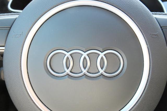 audi-a5-steering-wheel