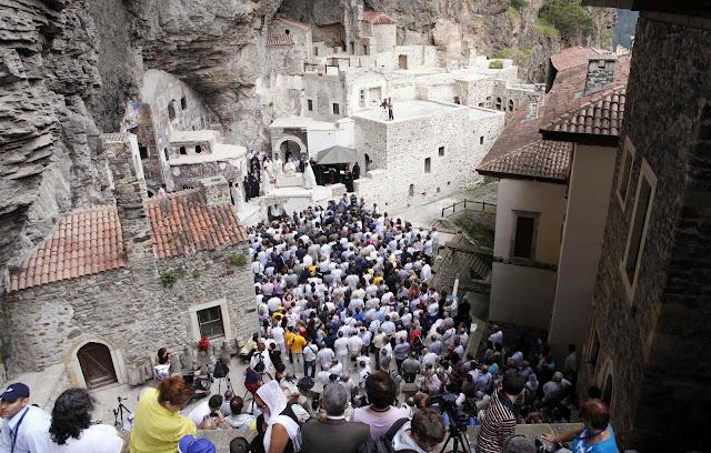 Κόβουν τη λειτουργία του Δεκαπενταύγουστου στην Παναγία Σουμελά οι Τούρκοι;