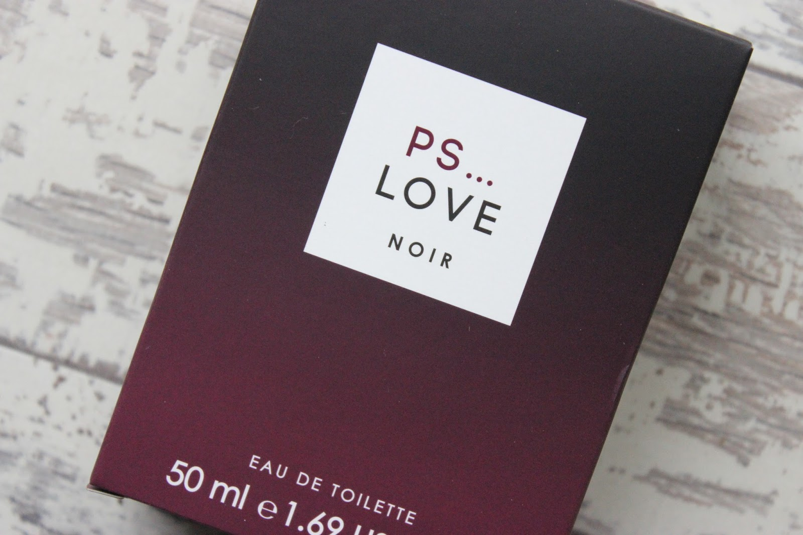 Primark PS Love Noir Lancome La Vie Est Belle Dupe UK Beauty Blogger Review Affordable Fragances