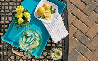 Limón, agua y pepino