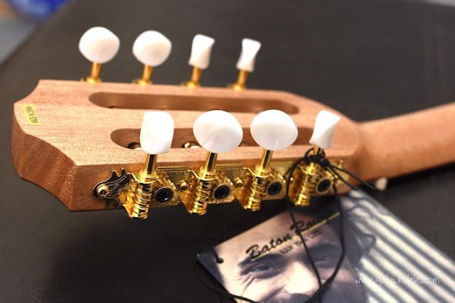 Baton Rouge V2T8 Sun 8 String Tenor ukulele tuners