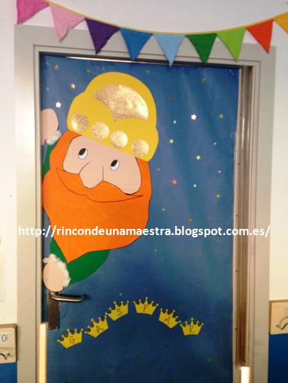 Rinc n de una maestra for Puertas decoradas enero