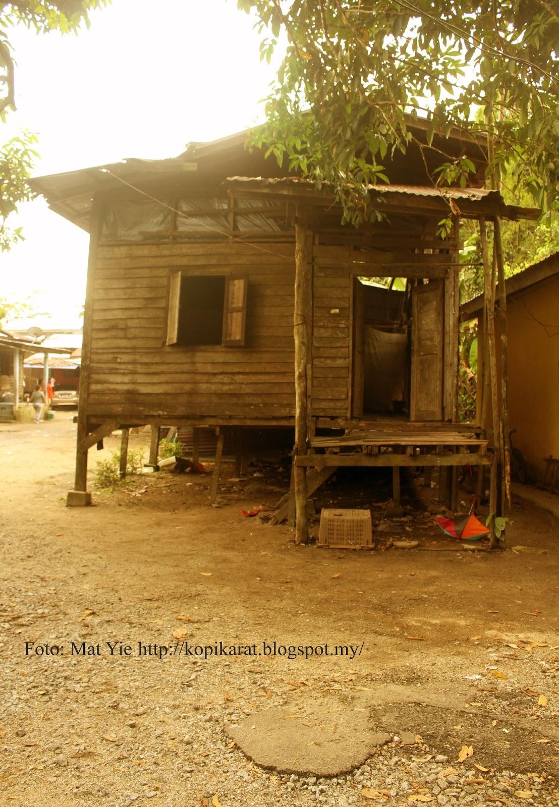 Rumah Yang Diberi Tumpang Oleh Susilawati Dan Keluarga Di Hujung Kampung Tidak Dapat Hendak Digambarkan Kehin Ini Mengharungi Hari