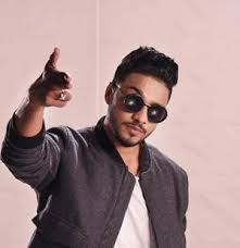 Raftaar Family Wife Son Daughter Father Mother Age Height Biography Profile Wedding Photos