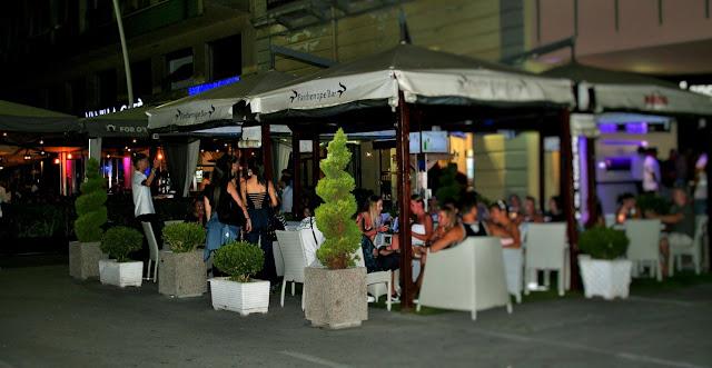ristoranti, notte, gente, giovani, hotel, alberghi, movida