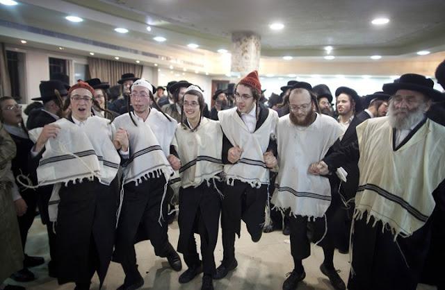 فضيحة كبرى,بالفيديو: حركة يهودية تدعو إلى التخلص من العرب تحتفل في البحرين
