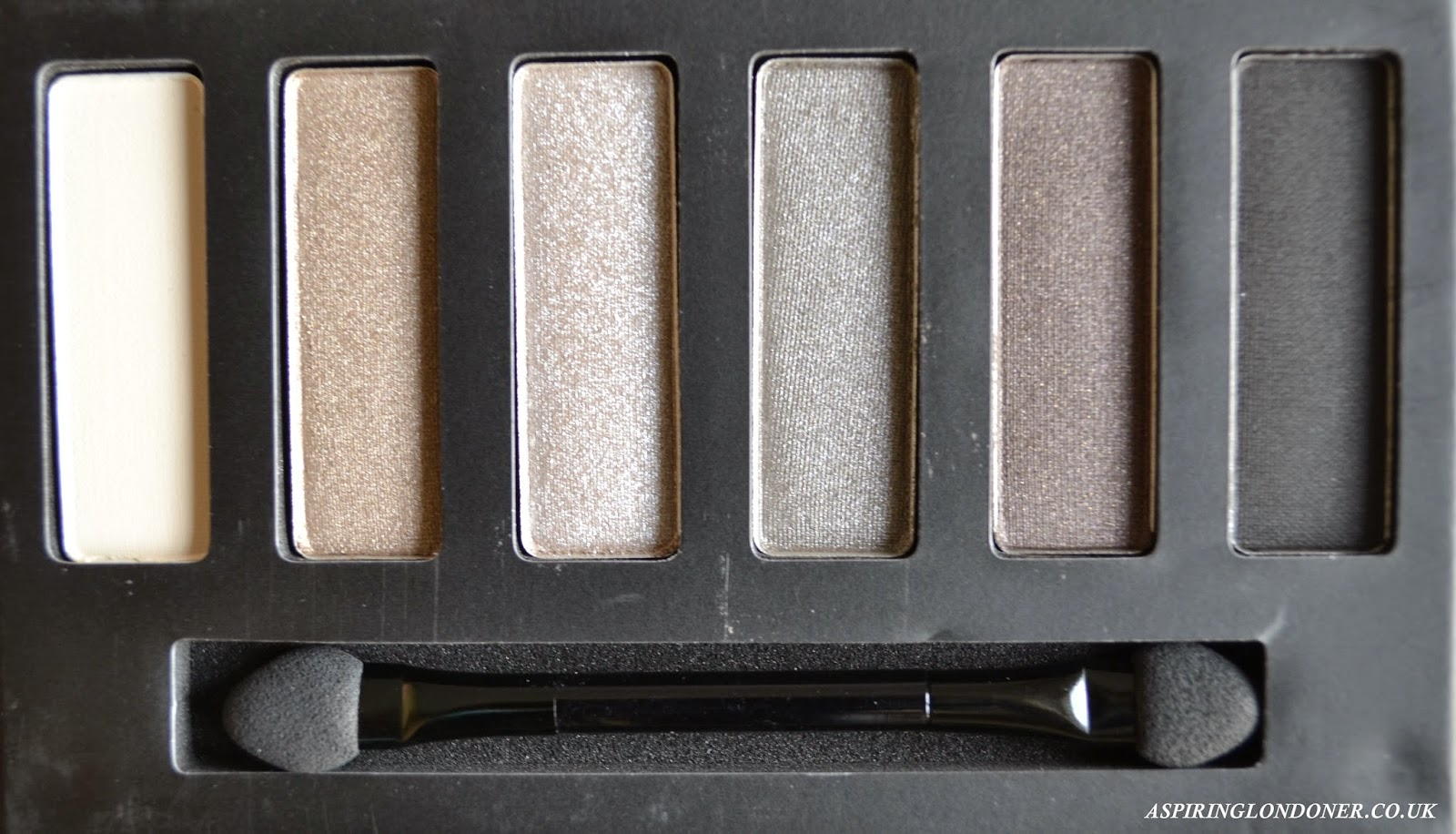 Collection Eyes Uncovered Nude Grey Palette - Aspiring Londoner