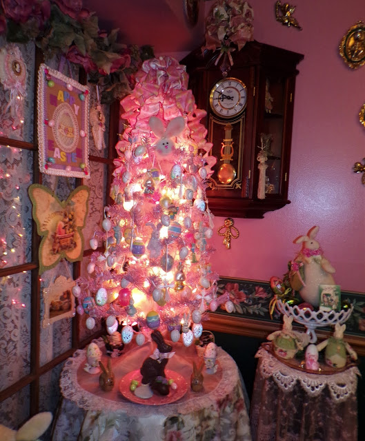 A Pink Easter Tree and More