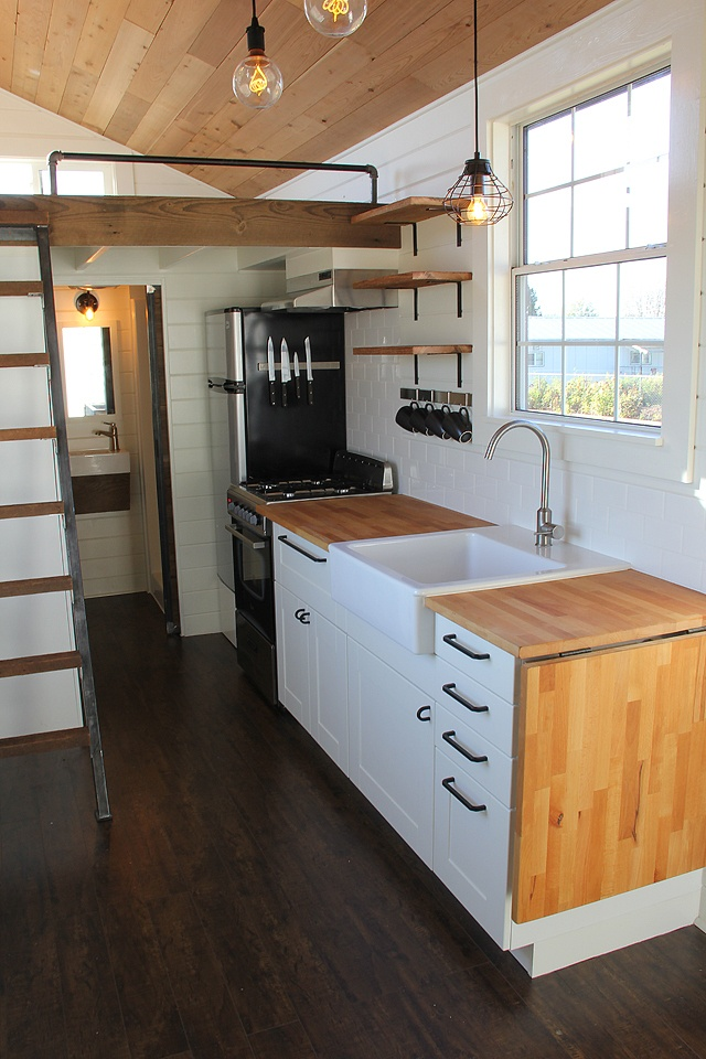 Tiny House Town Modern Rustic Tiny Home In Bellingham