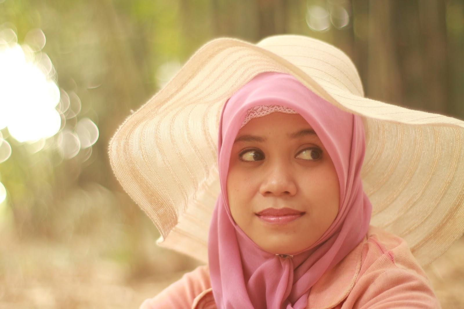 Hani A.K.A Nirmalasari cantik manis model jilbab terbaru cewek makassar asal Bonde jadi model di makassar