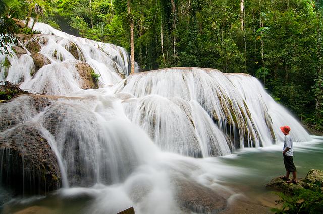 Daftar Air Terjun Unik di Sulawesi