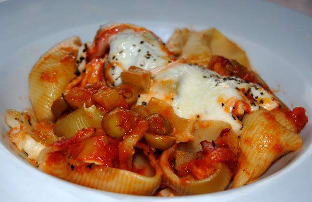 Lumaconi a la Parmesana (Lumaconi alla Parmigiana). Receta