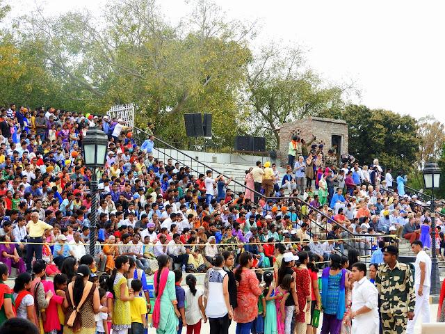 The throngs at Wagah | Punjab (April 2016)
