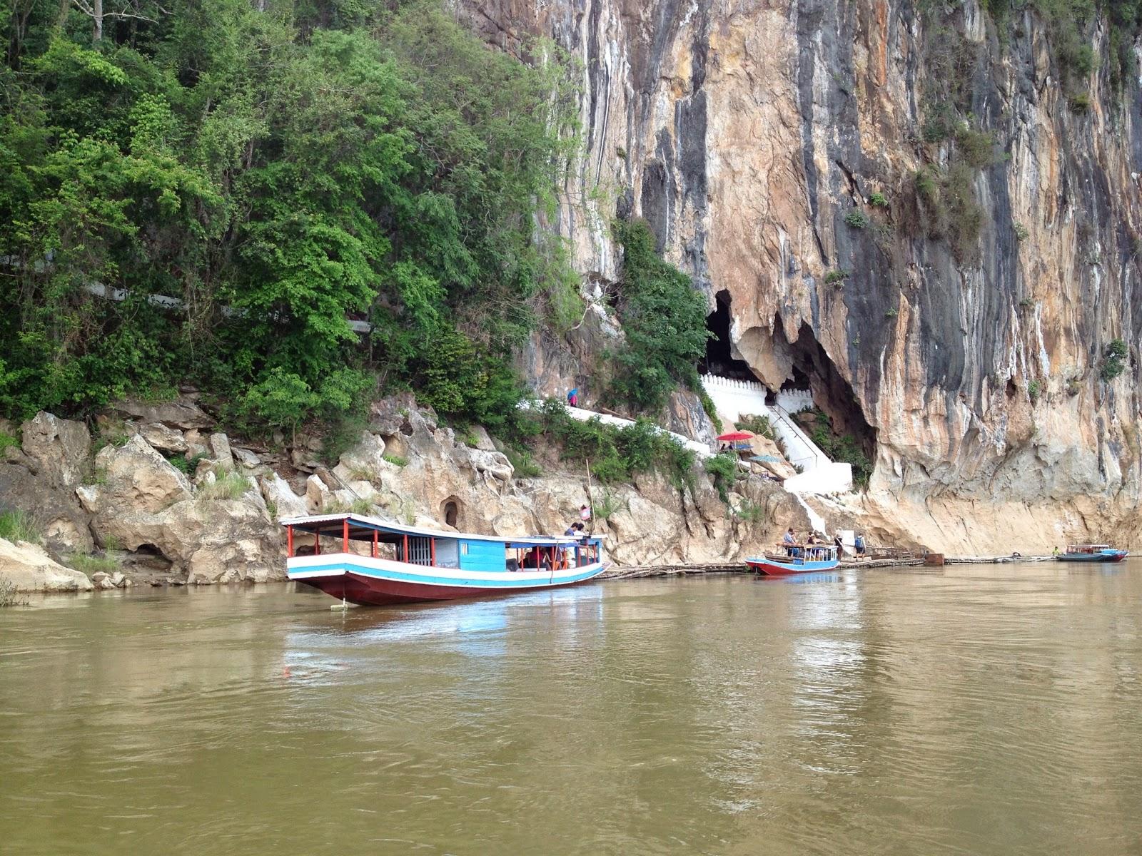 Luang Prabang - Approaching Pak Ou