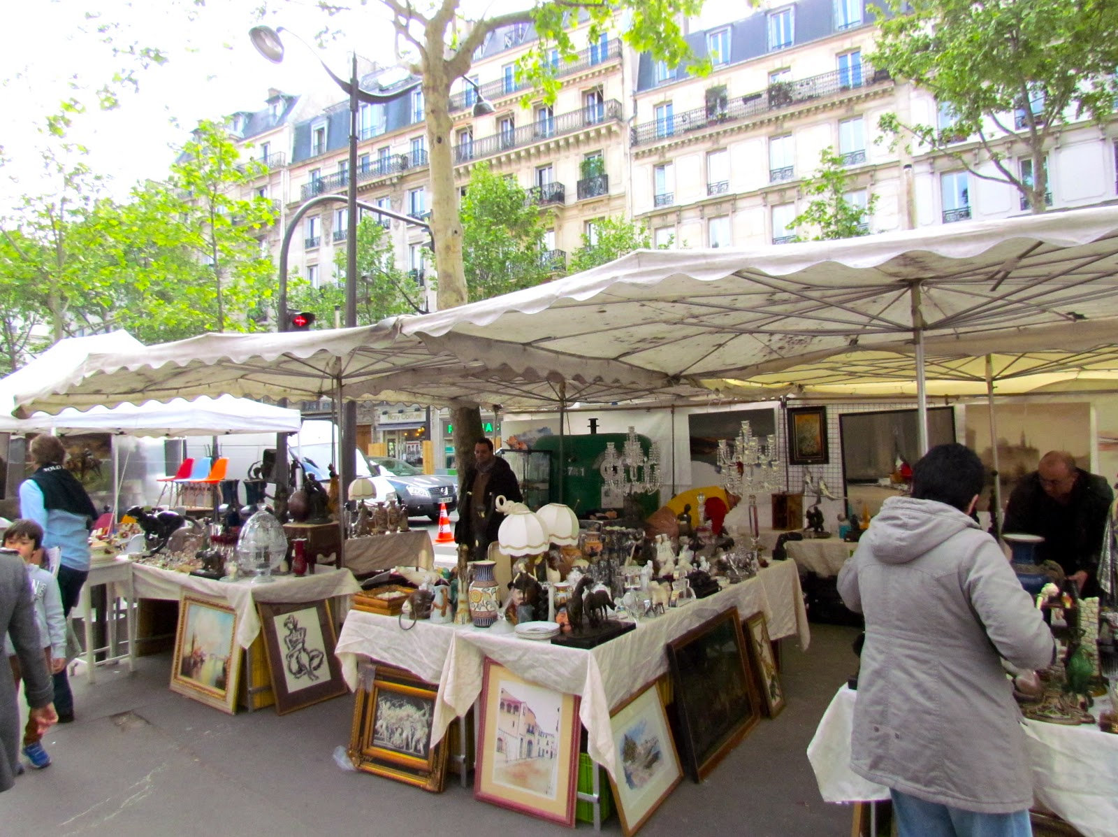 Brocante A Paris A Saturday Brocante In Paris