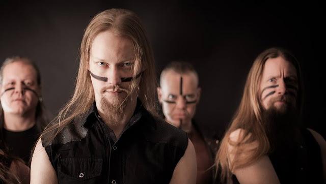 Ensiferum busca vocalista tecladista