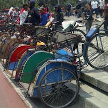Sejarah panjang becak yang puluhan tahun dilarang, kini boleh kembali beroperasi di Jakarta