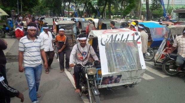 BAH FUANG - Ratusan Sopir BECAK MOTOR  di Medan DEMO Protes Angkutan Online